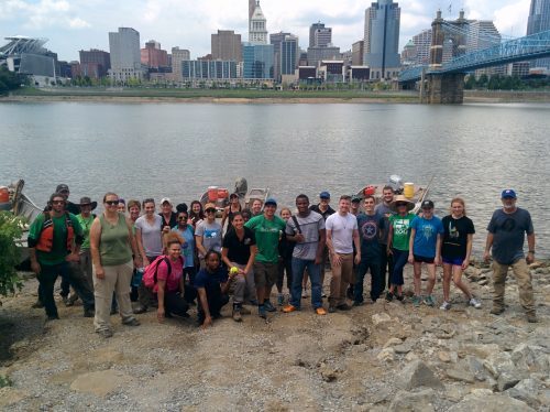 2016 Ohio River clean up with Living Lands & Waters (Photo: Fia Cifuentes)