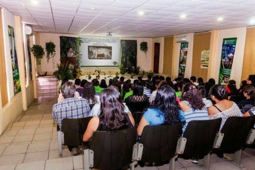 Presenting to Biology students (Photo: Wild Cats of Tamaulipas)